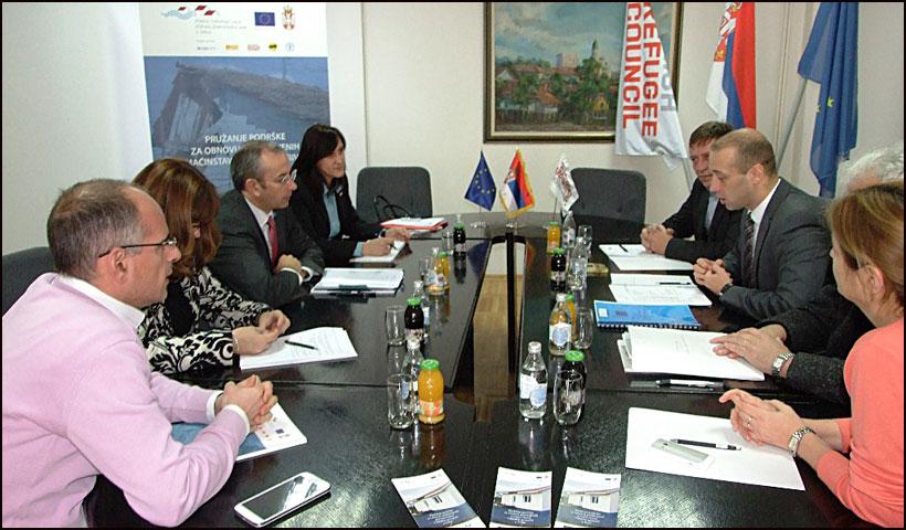 EU-pomoc-za-poplavljene---Ambasador-Devenport-Smederevska-Palanka-01
