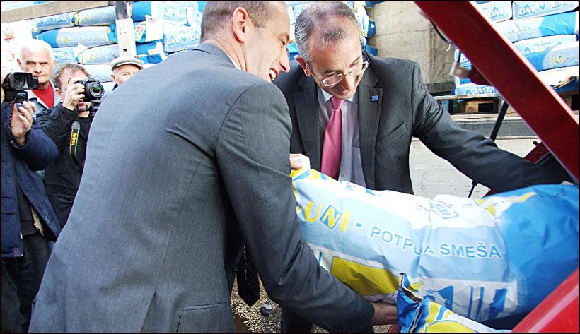 EU-pomoc-za-poplavljene---Ambasador-Devenport-Smederevska-Palanka-11