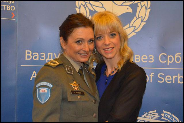 vss-Radmila-Djuric-i-Ana-Vujcic---padobranke