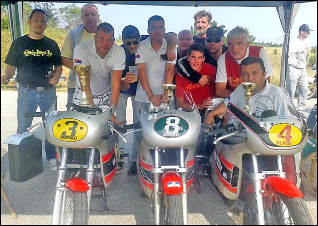 pon-Mancula-racing-team