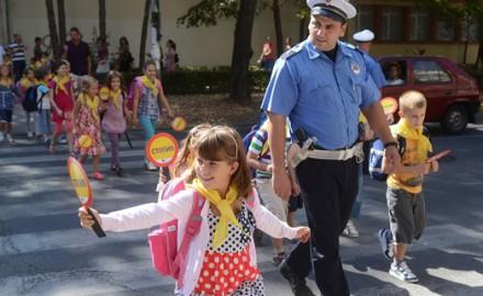 Policija u školama