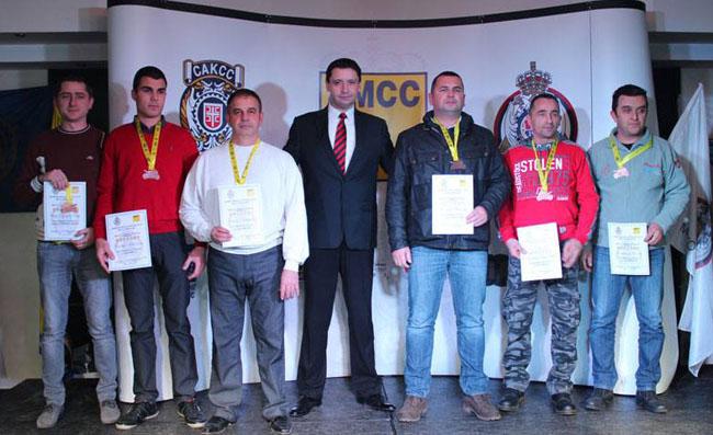 4-Vladimir Iliå MK Manƒula (prvi s desna) copy