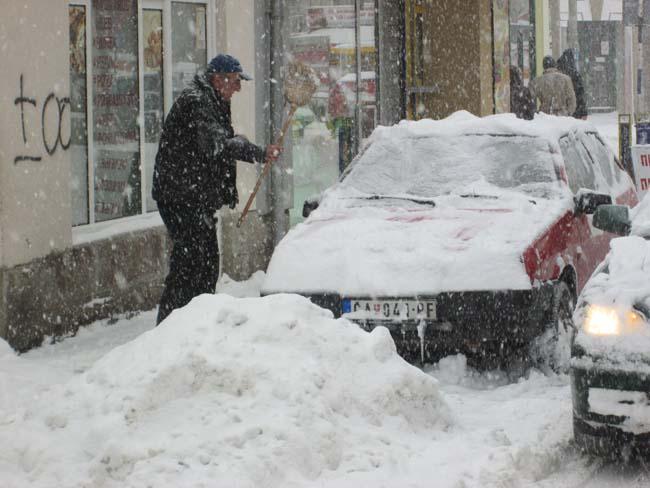sneg u cacku