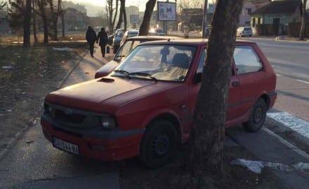 sluzbeni automobil