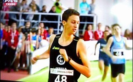 Finiš-trke-i-ubedljiva-pobeda-Bogdana-Jokovića-u-trci-800-m
