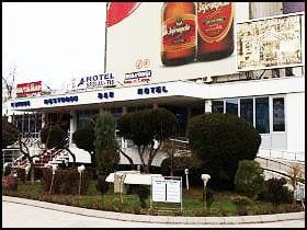 medium_1458144192--Hotel-Srbija-Tis-u-Zaječaru-u-kom-su-odseli-aktivisti-Srpske-napredne-stranke-(izvor-CINS)