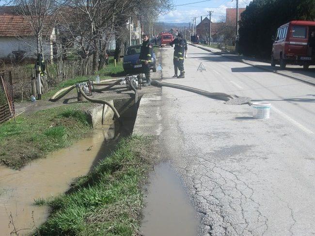 poplave, konjevici, vatrogasci