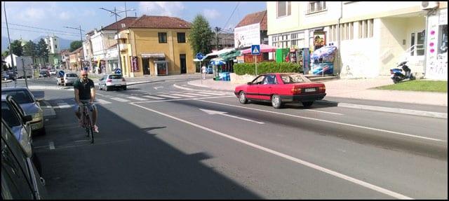 Trag-ulja-na-kolovozu-u-ulici-Bate-Jankovića