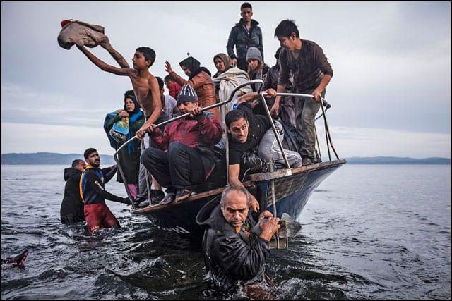 2_-sergey-ponomarev-reporting-europes-refugee-crisis-01_pr