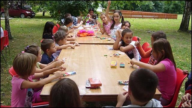 deca-u-dvoristu-muzeja