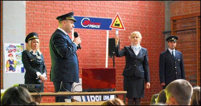 zeleznice-srbije-izaberi-zivot-oprez-edukacija-predavanja