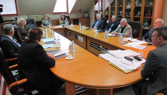 Odbor strateška pitanja