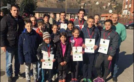 Atletičari-ČAAK-a-na-Sretenjskoj-trci-u-Ušću