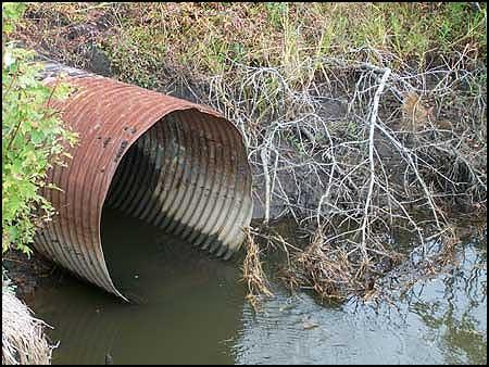 zagađena-reka-2