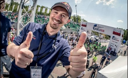 Adam-Malis-vozac-Catcher-Car_Sebastian-Wolny-for-Wings-for-Life-World-Run