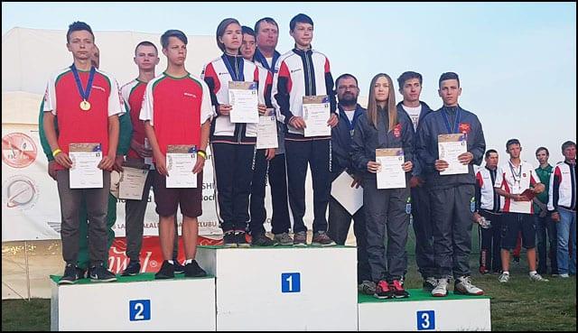 Ekipna-juniorska-bronza---Jovan-Josipovic,-Kristina-Cipcic-i-Milan-Dimitrov