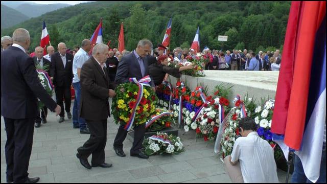 Djukicc-i-Bole-polazzu-venac-na-Sutjesci