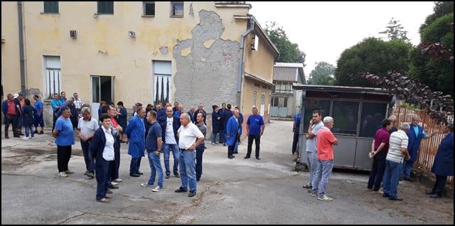 FRA-radnici-u-dvorištu