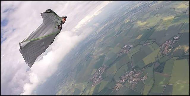 Zoran-Milenković-Wingsuit-flying