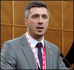 Boško-Obradović--SNS-je-jato-političkih-preletača