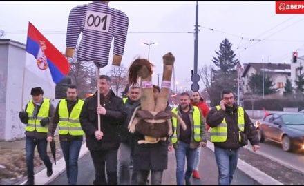 dveri-protest