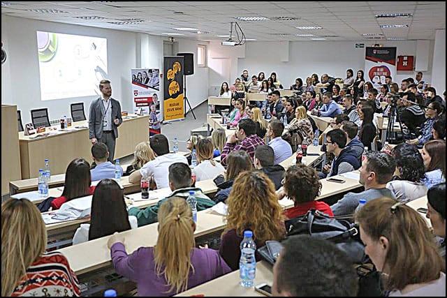 Predavanje-Milo_a-Radovanovi_a-_u_e-na-Forumu-mladih-lidera