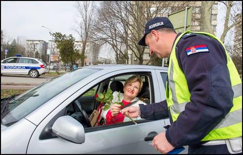 policija-8-mart-2