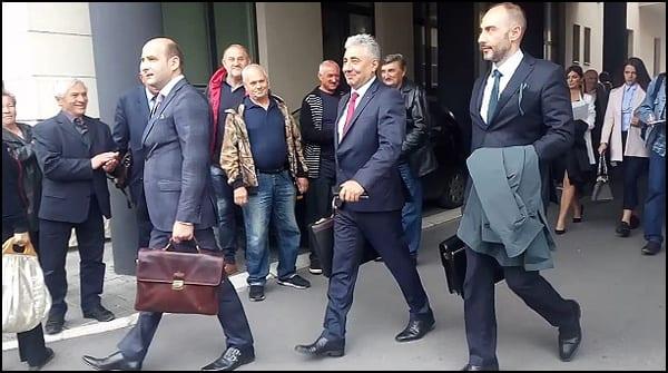 Драгољуб Симоновић, (у средини)   фото: УНС Ј. Пешић