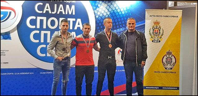 Najbolji u klasi MX2 s leva na desno Vukašin Jablanovic, Nenad Petrovic i Strahinja Kalamkovic