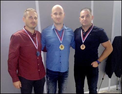 Najbolji u klasi MX3 s leva na desno Viktor Lang, Vlade Rajevic i Dejan Paunovic