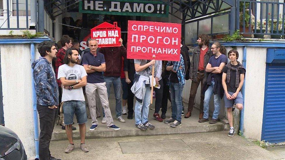Iseljenje raseljenih koji su se bespravno uselili, Ustanička ulica, Beograd