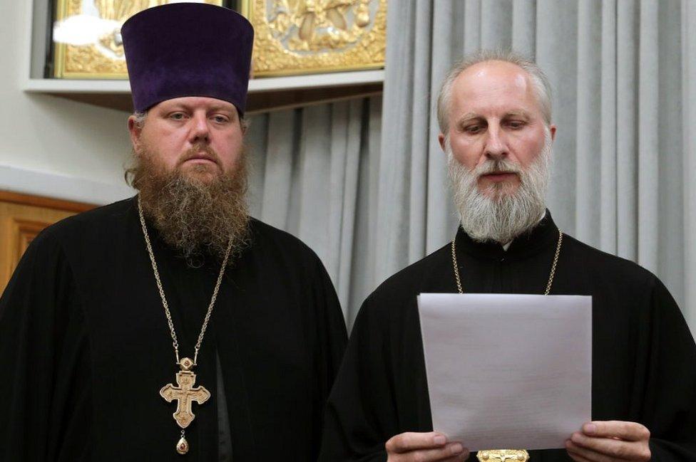 Pravoslavni sveštenci u crkvenom sudu, Jekaterinburg, jul 2020.