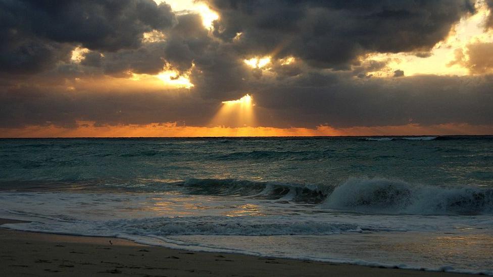 zalazak sunca na kajmanskim ostrvima