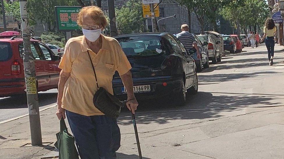 Ljudi na ulicama Beograda