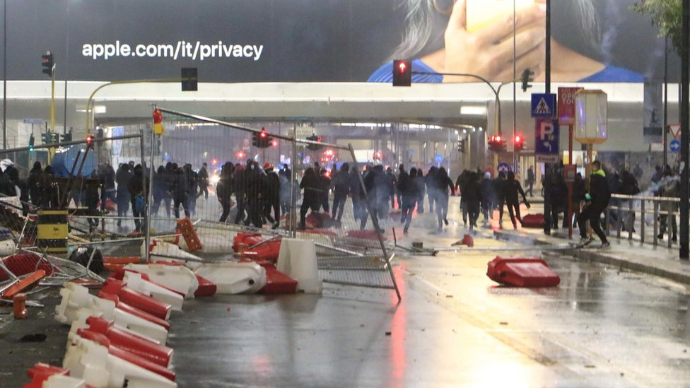 Protesters in Milan