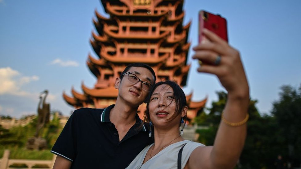 A couple sightseeing in Wuhan