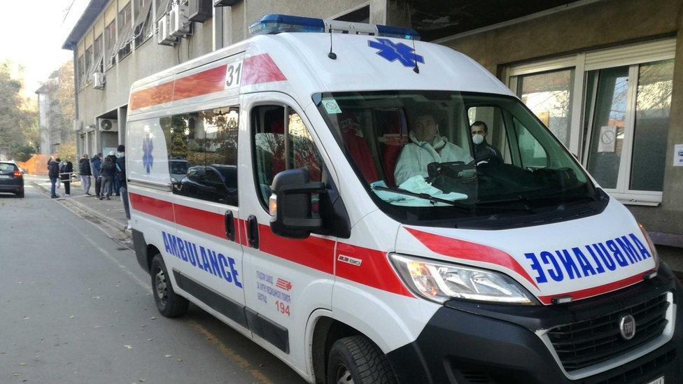 vozilo hitne pomoći peđa