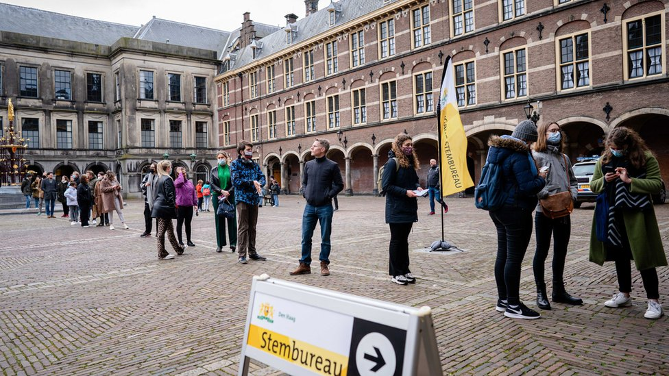 Voters in the Hague